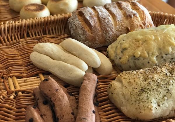 ホームベーカリーでパンが膨らまない理由は、
